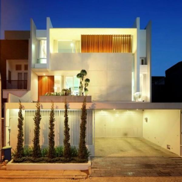 703145-fachadas-de-casas-com-garagem-5-600x600
