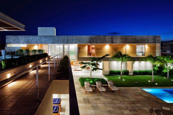 casa-moderna-com-paisagismo